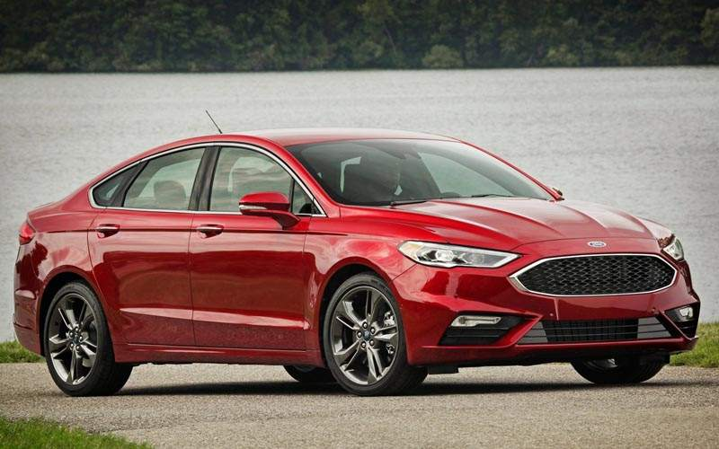10 Best Selling Sedans of 2017 - Ford Fusion
