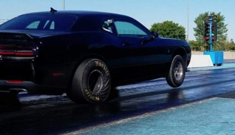"The World's Fastest ""Stock"" Dodge Challenger Hellcat Runs Eights"