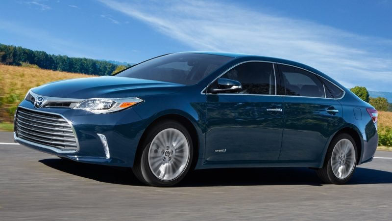 Could the Toyota Avalon be one of the best hybrid cars 2018 has to offer?