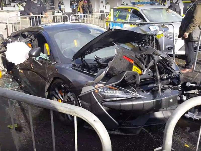 McLaren 570S London crash
