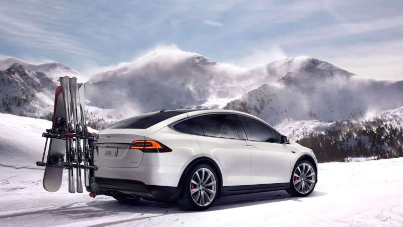 Tesla Model X Snow
