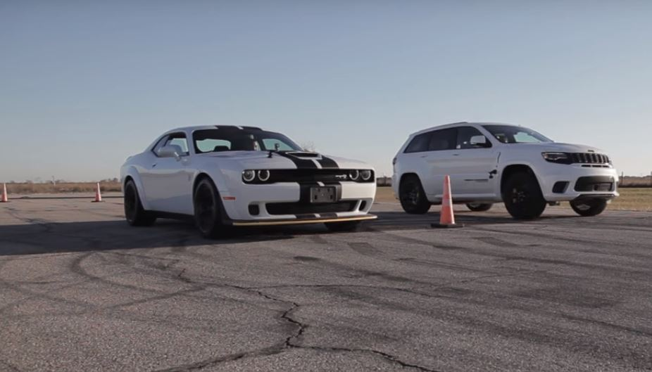 Drag Race: Challenger Hellcat vs Grand Cherokee Trackhawk [VIDEO]