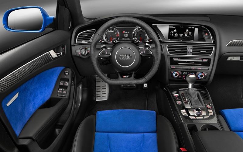 Audi Wagons 2014 Audi RS4 Avant Nogaro