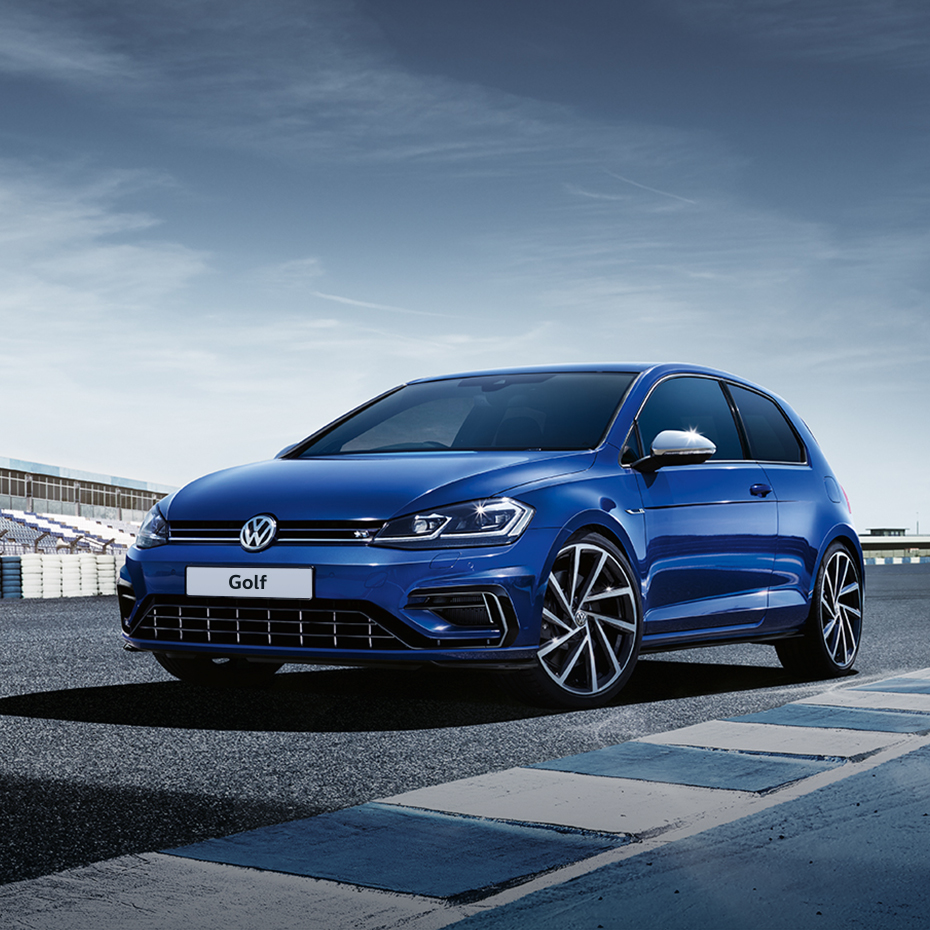 Volkswagen Golf R Front 3/4 - Best AWD Sports Cars