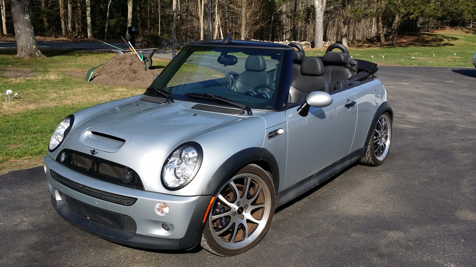The Mini Cooper Cabrio is an awesome girl car.