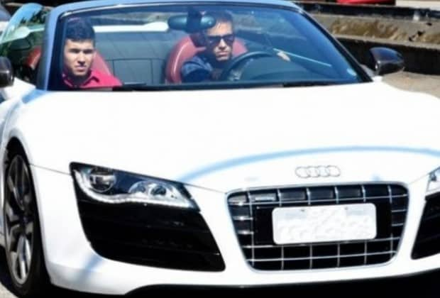 Neymar Audi R8
