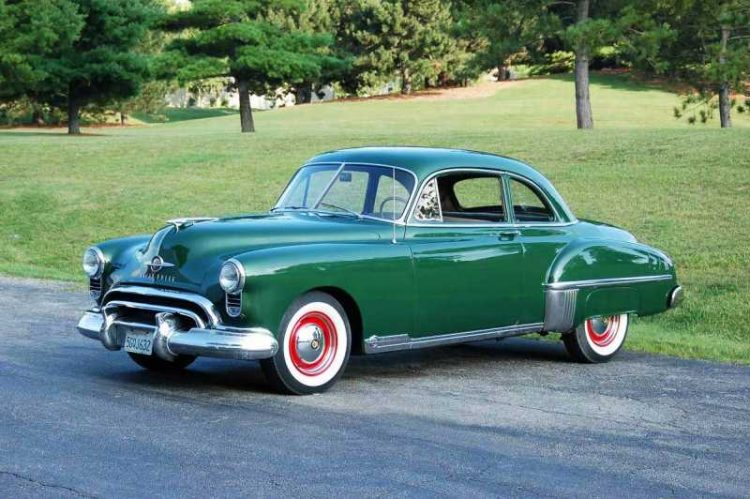 Oldsmobile Rocket 88 Front 3/4