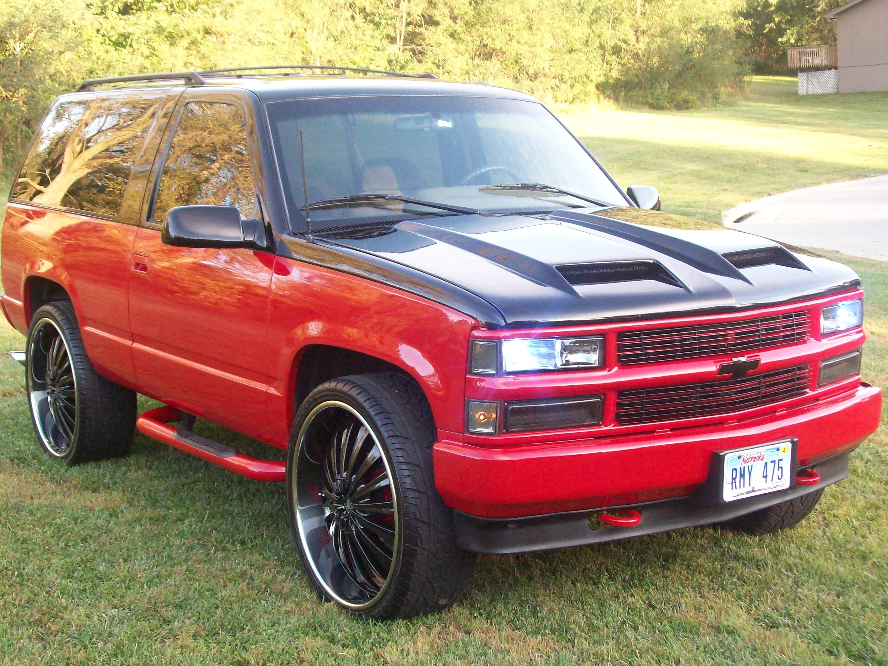 two tone chevy tahoe 1995 lifted