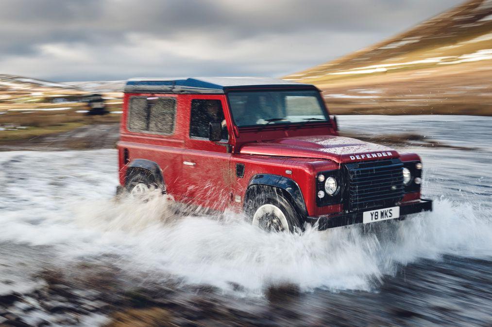 18 Land Rover Defender Works V8 convertible SUV
