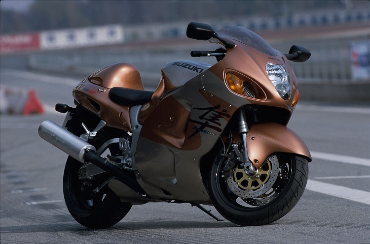 1999 Suzuki Hayabusa Side View 2