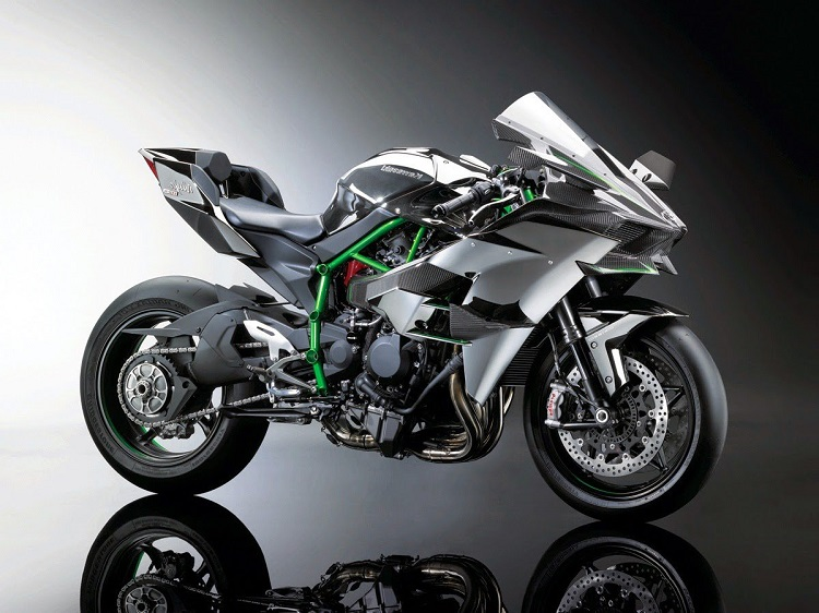 2015 Kawasaki Ninja H2R - the ultimate crotch rocket motorcycle