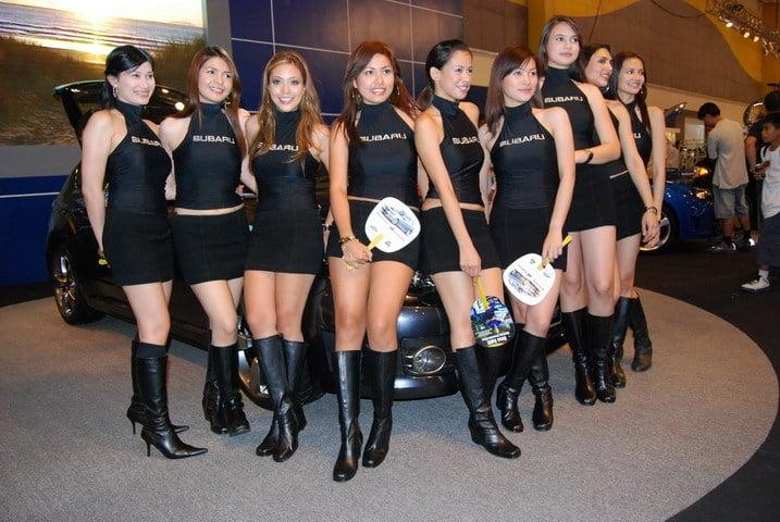 Bonus hot car girls