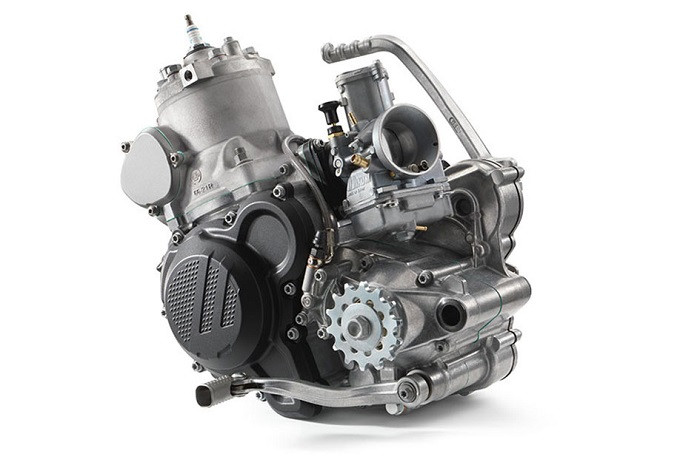 Fuel injected two stroke engine from KTM