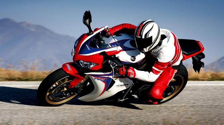 Motorcycle School - Fast Bike
