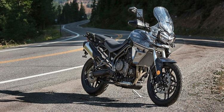 Motorcycle School - Triumph Tiger