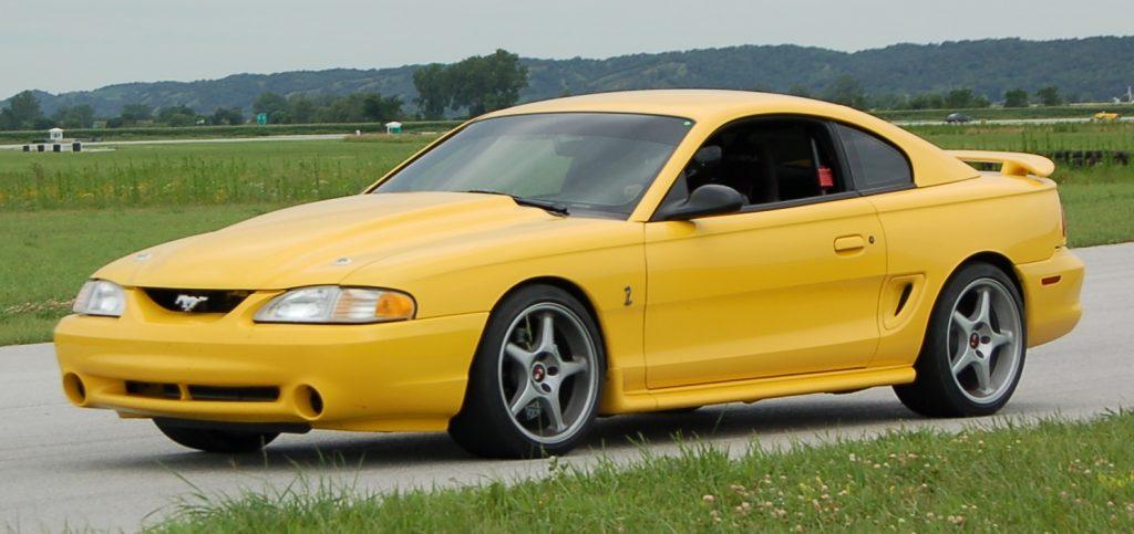 Ford Mustang SVT Cobra Front 3/4
