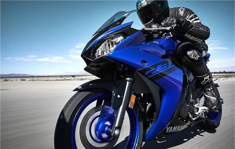 Yamaha R3 1