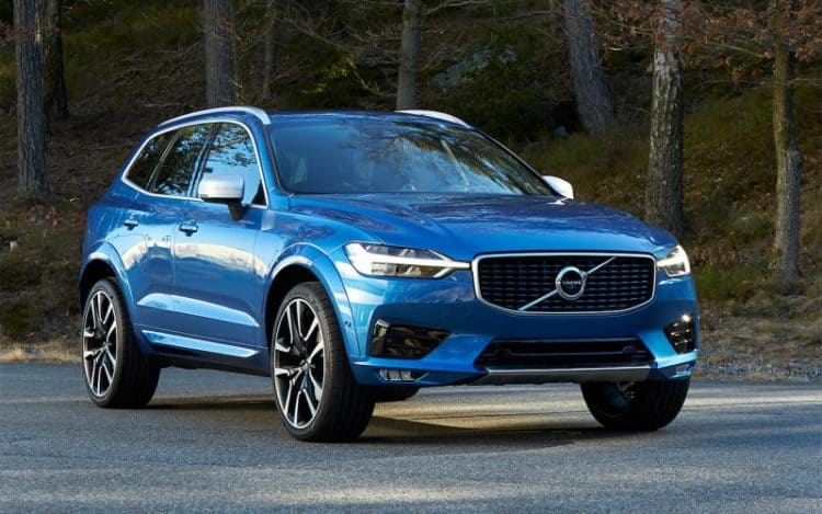 Volvo XC60 front 3/4 view