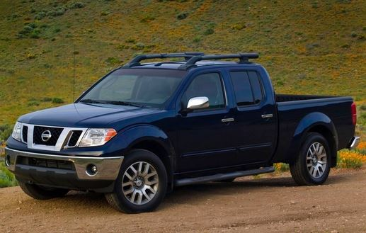 2015 Nissan Frontier side view