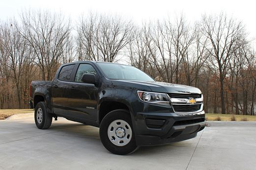 2017 Chevrolet Colorado WT passenger side