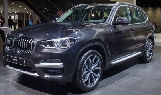 2018 BMW X3 front side view