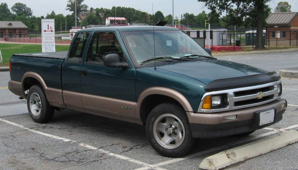 If you're looking forcars fo sale under 1000, then the Chevy S-10 is worth investing in