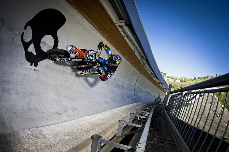 Best Motorcycle Stunts - MaddisonSki Jump