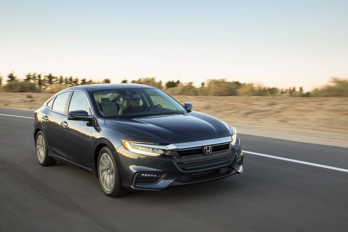 2019 Honda Insight front 3/4 view