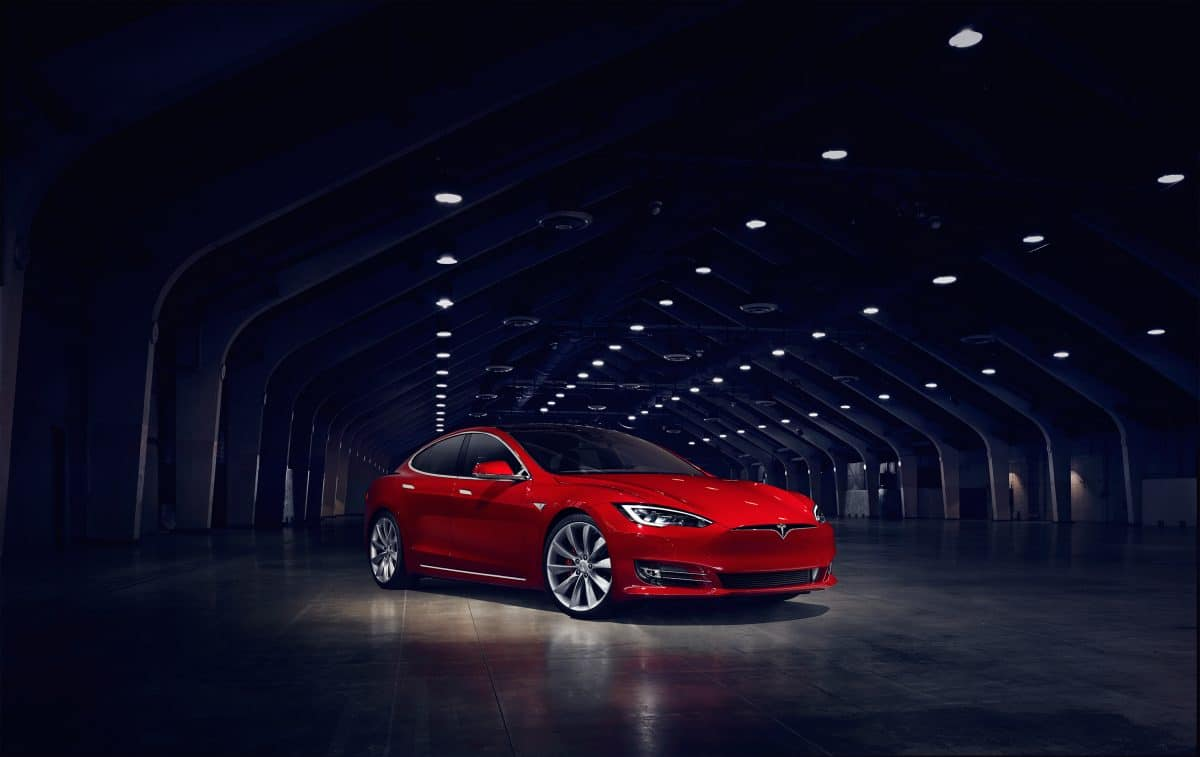 Tesla Model S 3/4 view