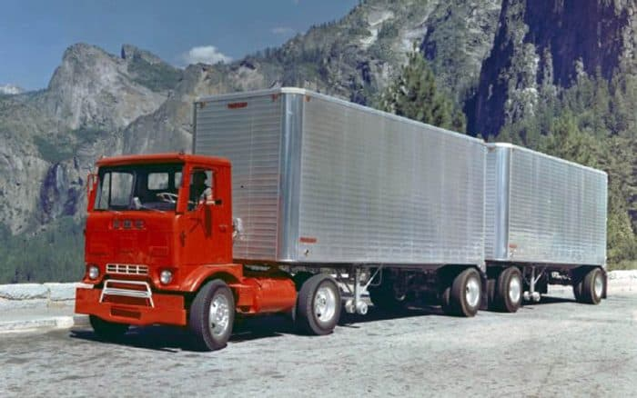 1982 kenworth k100 coe trucks