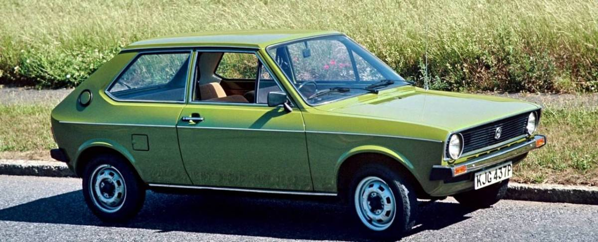 1975 VW Polo - right side view