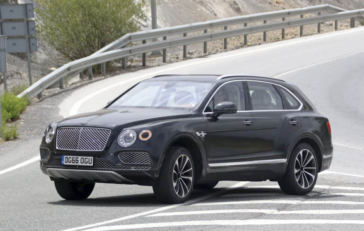 2019 Bentley Bentayga 3/4 view