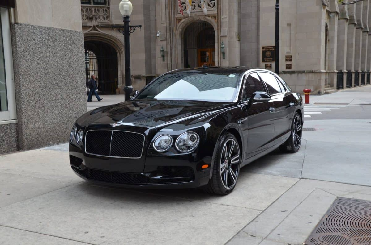 2019 Bentley Flying Spur front 3/4 view