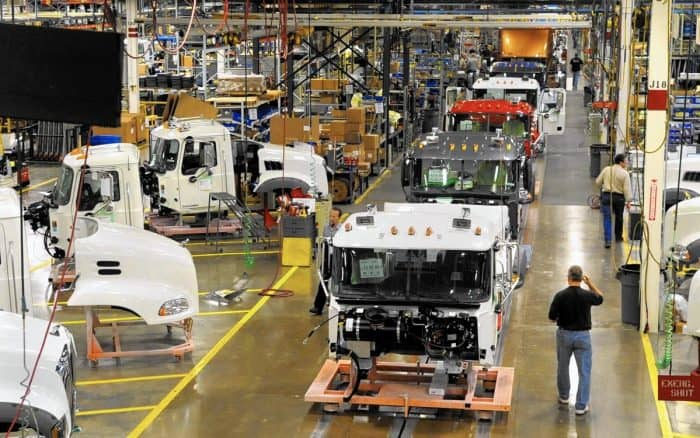 mack truck production line