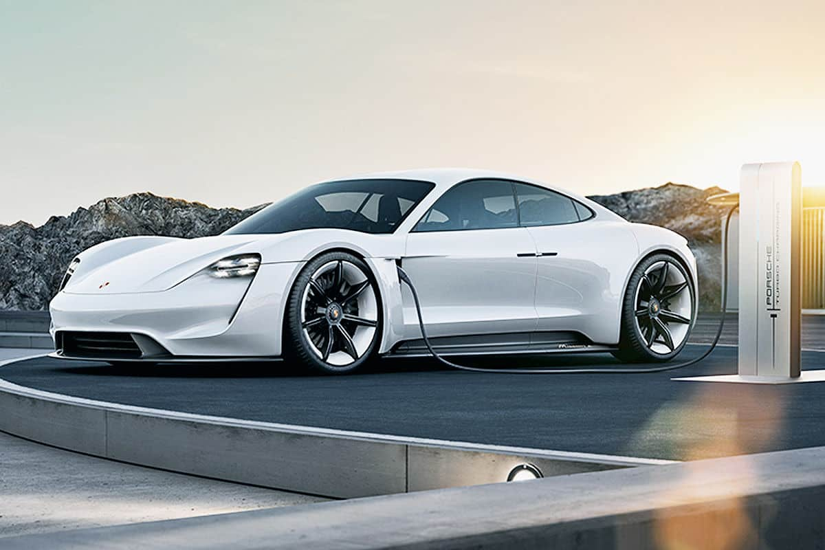 Porsche Lineup 2019 - Porsche Mission E concept 3/4 view