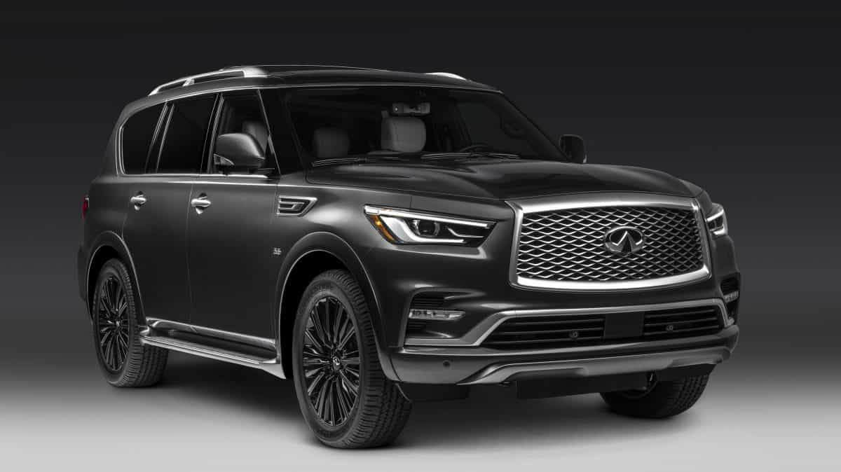 2019 Infiniti QX80 Limited front 3/4 view