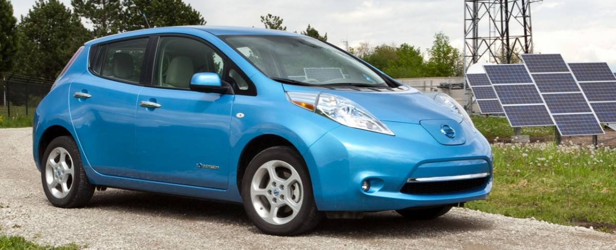 2011 Nissan Leaf - right front view