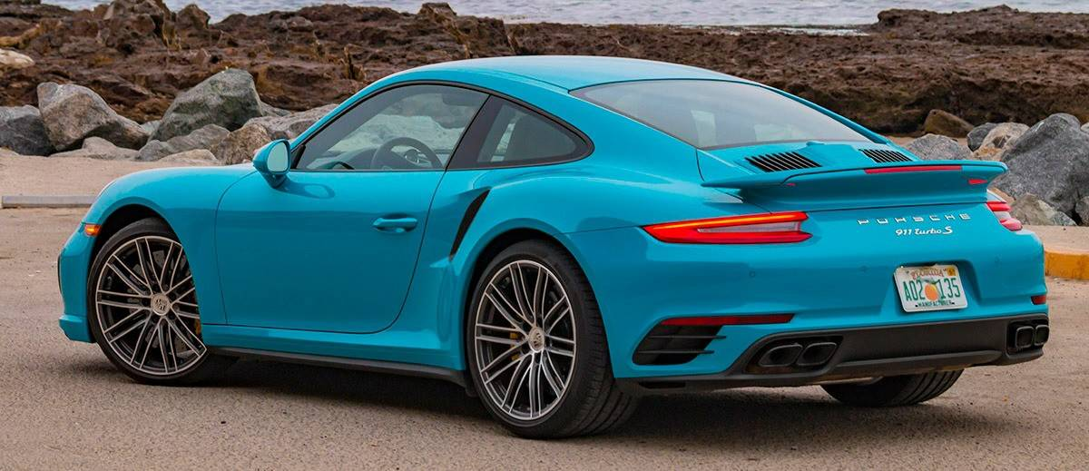 Porsche 911 left rear view