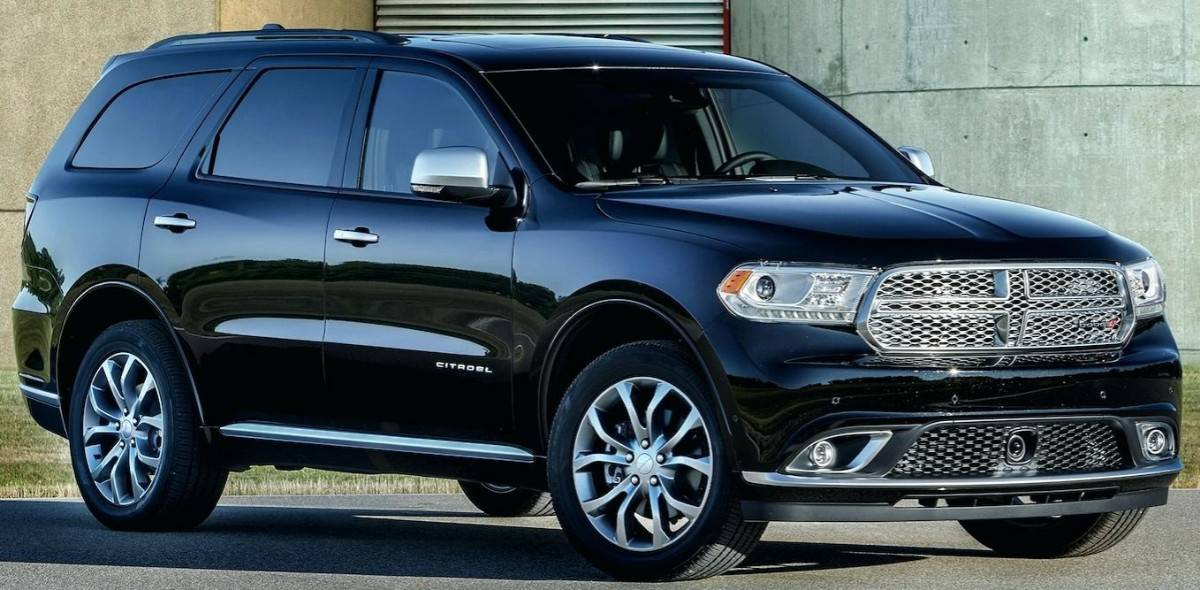 2018 Dodge Durango - right front view