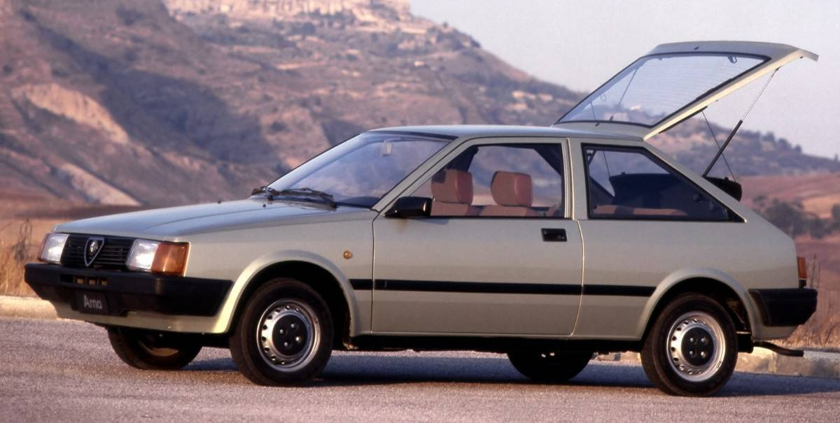 Alfa Romeo Arna left side view