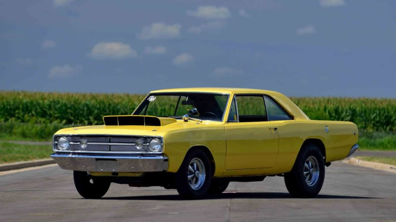 old-school muscle cars:1968 Dodge Dart 426 Hemi