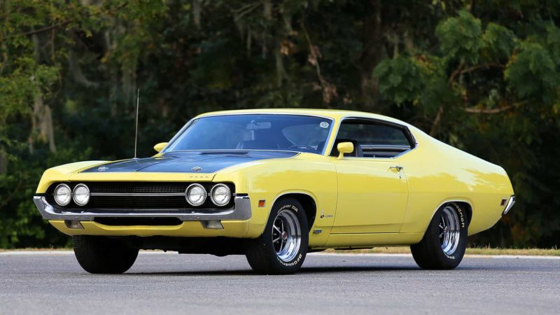 old-school muscle cars: 1970 Ford Torino Cobra