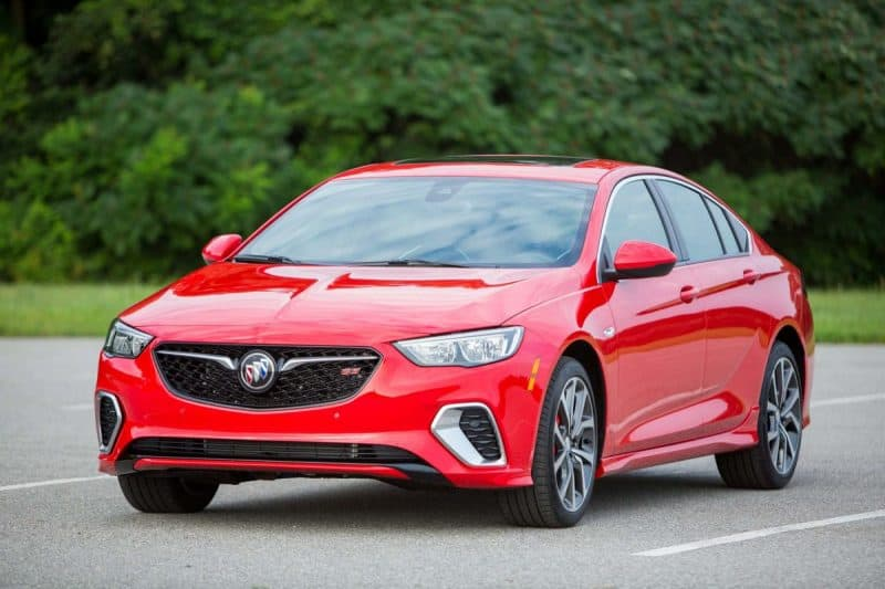 2019 Buick Regal GS front 3/4 view
