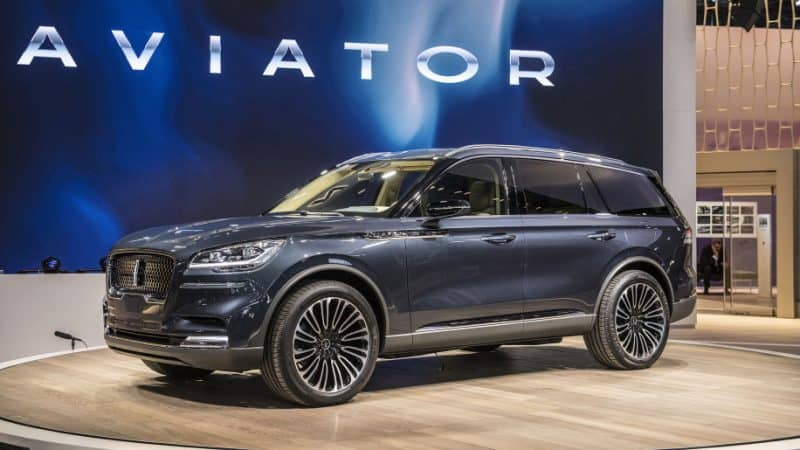 2019 Lincoln Aviator Concept front 3/4 view