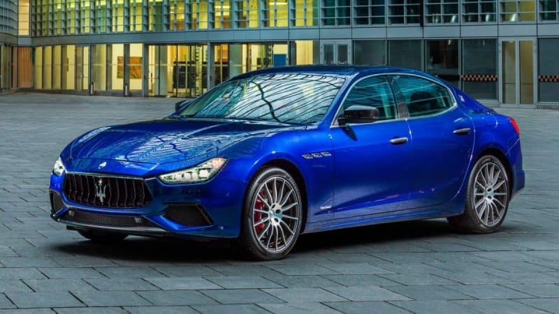 Maserati Ghibli GranSport front 3/4 view