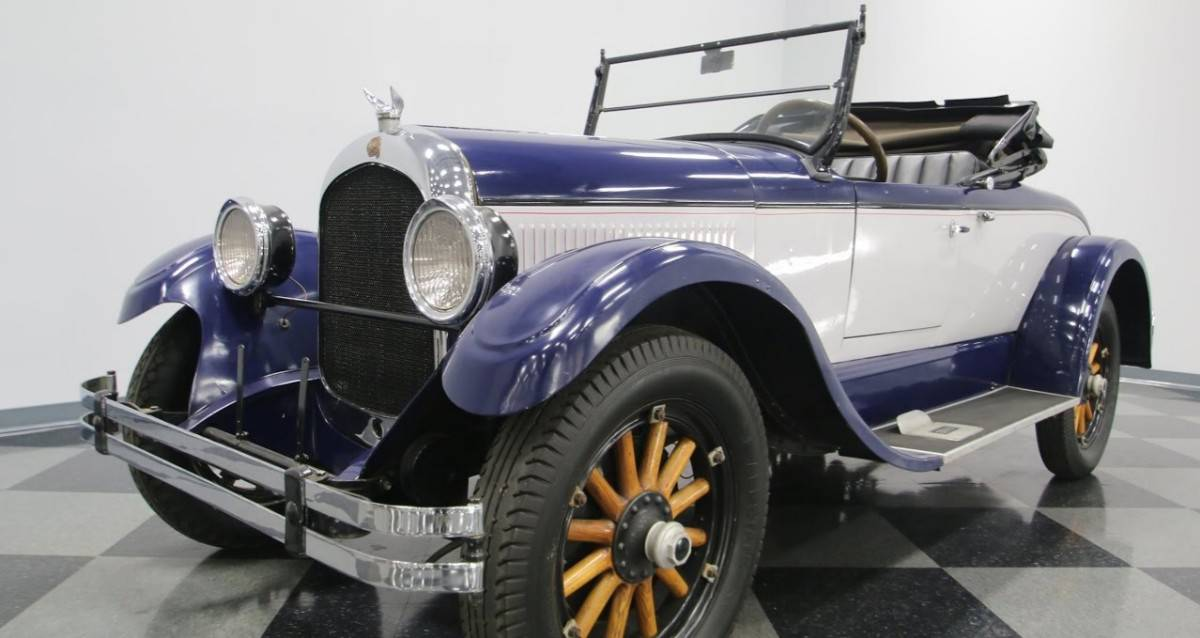 1924 Chrysler B70 - left front view