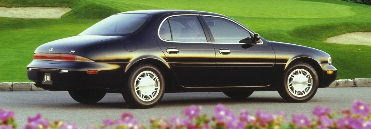 1997 Infiniti J30 - right rear view