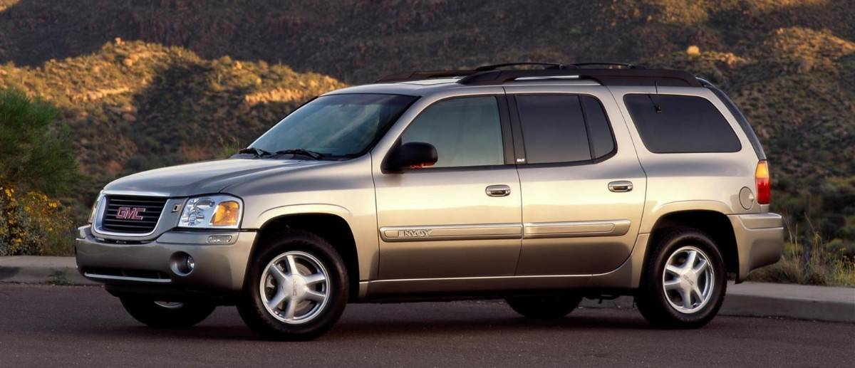 2001 GMC Envoy - left side view