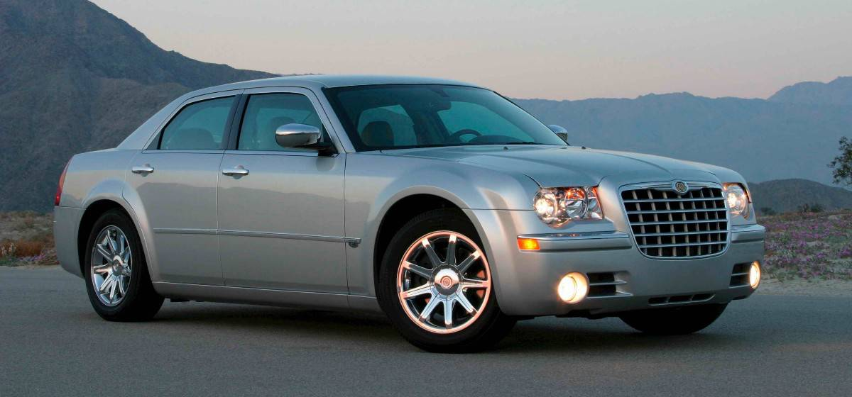 2006 Chrysler 300c - right front view