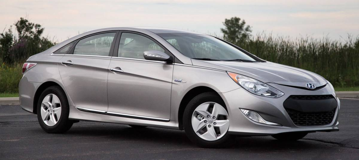 2011 Hyundai Sonata Hybrid electric car